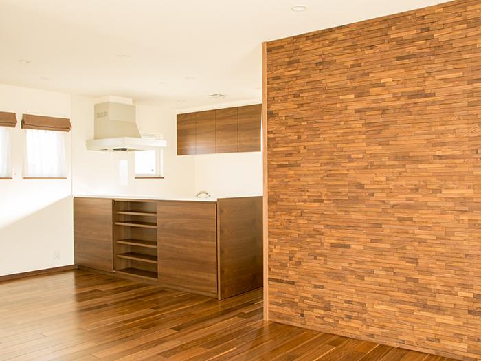 キッチン周りの木枠シート